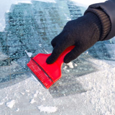 Useful tips to de-ice the windshield